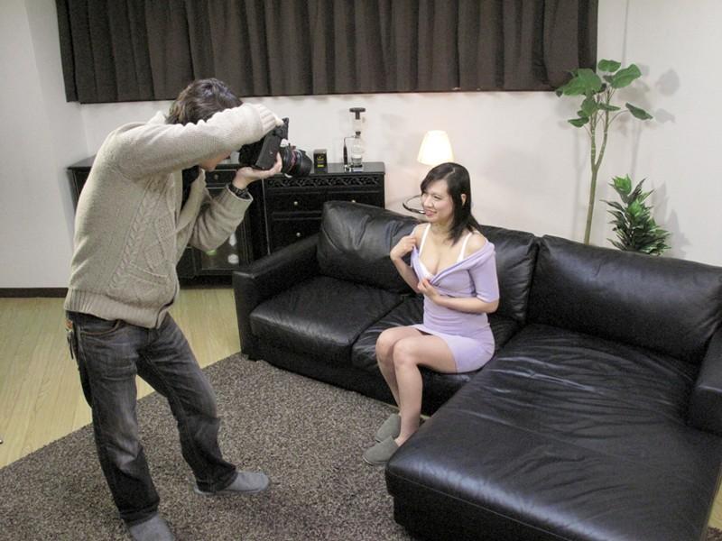 人妻撮影会。自らの過激ポーズに股間を濡らすプロポーション抜群の人妻をハメ倒す[h_254ghat00046][GHAT-046] 5