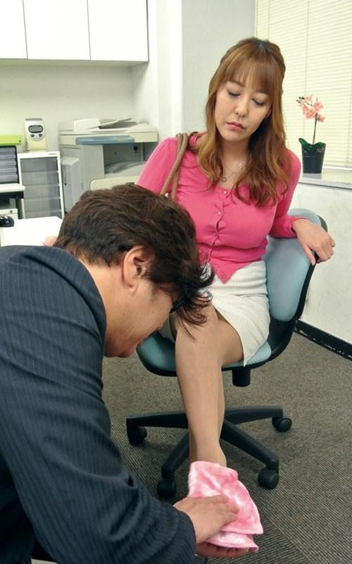高慢パワハラなムチムチ女上司の弱みを握ってセクハラからのSEXができちゃう方法とは 朝桐光 画像1