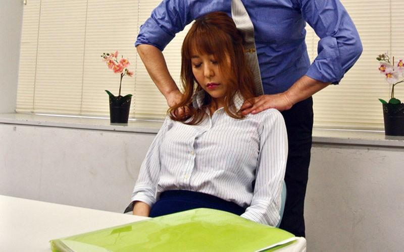 高慢パワハラなムチムチ女上司の弱みを握ってセクハラからのSEXができちゃう方法とは 朝桐光 画像2
