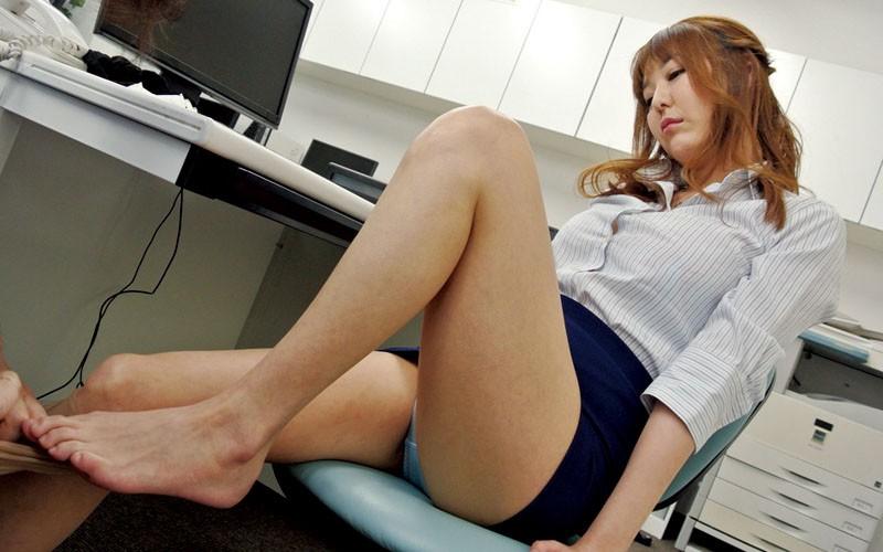 高慢パワハラなムチムチ女上司の弱みを握ってセクハラからのSEXができちゃう方法とは 朝桐光 画像3