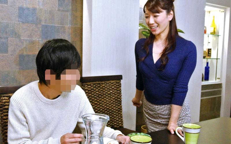 夫より童貞チ○ポが好きな義母に息子が土下座して筆おろしをお願いしてみた 加藤あやの キャプチャー画像 7枚目