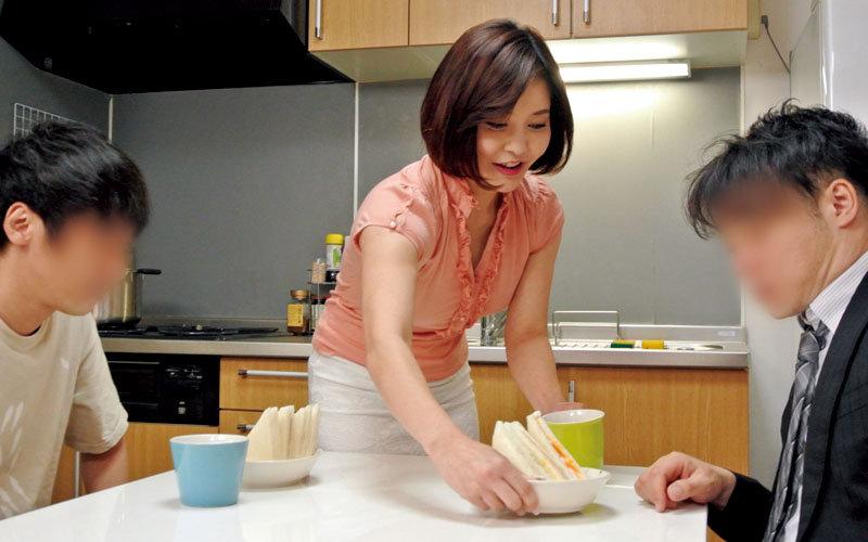 バスタオル姿の叔母と鉢合わせした事をきっかけに…峰田ななみ キャプチャー画像 1枚目