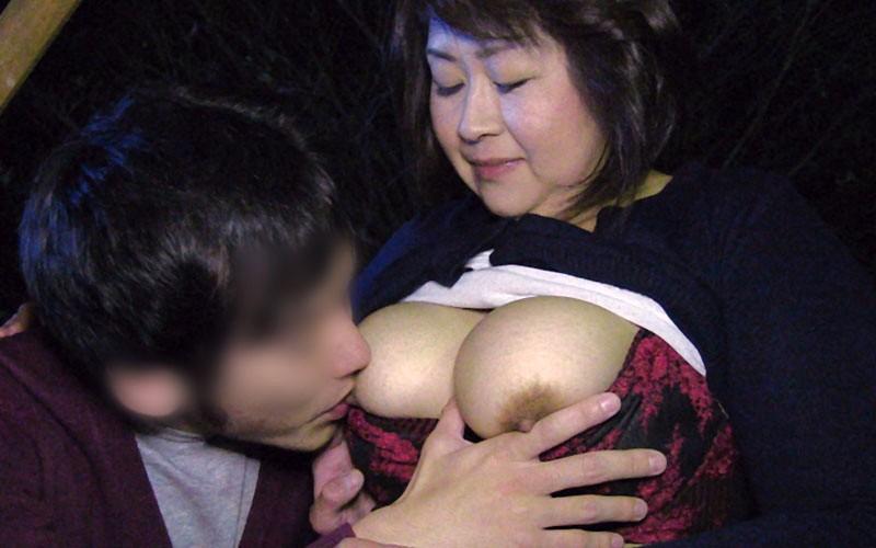 ド淫乱熟女の即尺逆ナンパ 8人 5