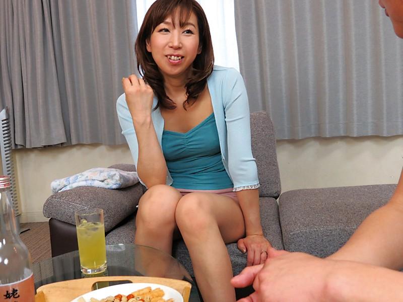 お義母さん 僕の子供を孕んでください 北海道の美人妻 新川千尋 8枚目