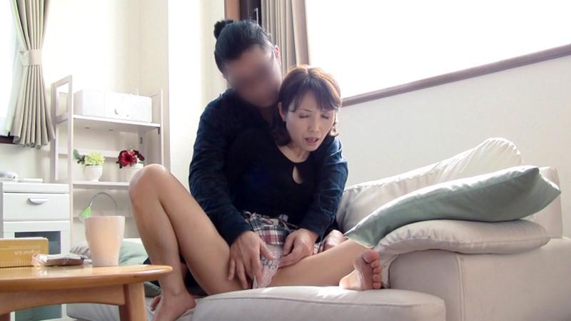 五十路の嫁の母が上京してきて…180分|無料エロ画像7