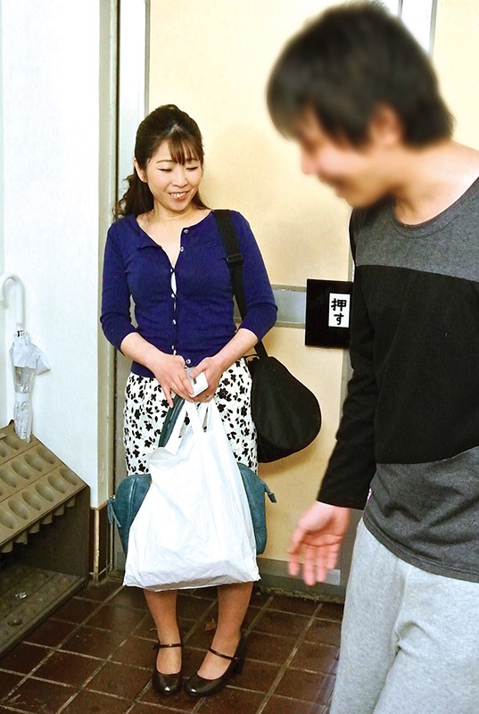 仙台から上京した嫁の母が…巨乳義母 月白さゆり キャプチャー画像 2枚目