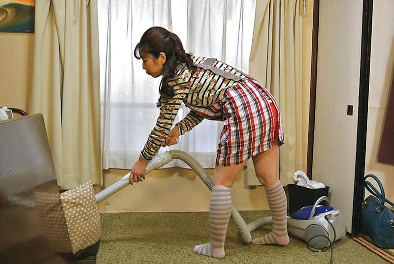 仙台から上京した嫁の母が…巨乳義母 月白さゆり キャプチャー画像 4枚目