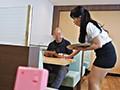 地方の働くレディ ファミレスバイトのきれいなおばさん 戸澤佳子51歳 12