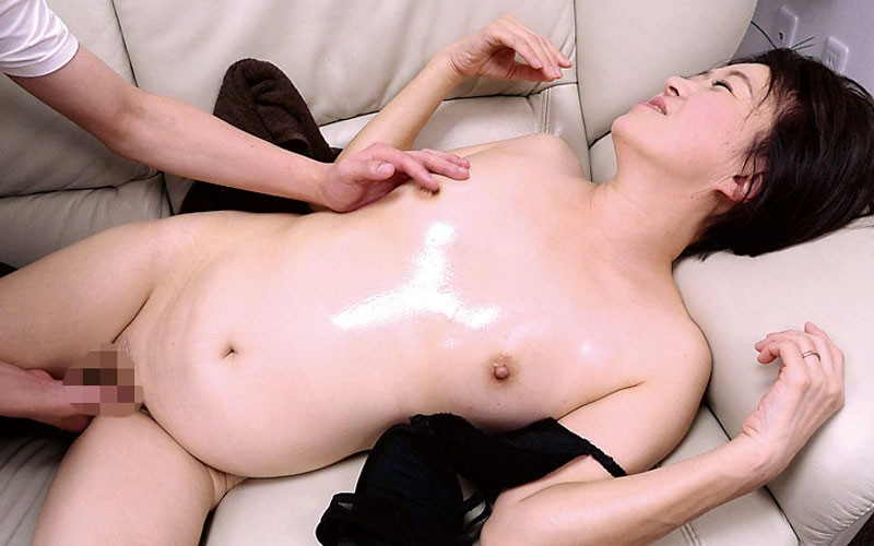 OFKU-151 Studio STAR PARADISE - Turned On By My Mother-in-law Who Arrives To Take Care Of My Newborn big image 3