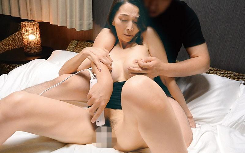 前橋から上京した嫁の母が…巨乳五十路義母 香原京香 50歳