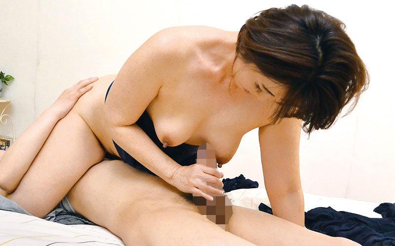 神戸から上京した嫁の母が…関西の巨尻義母 京野美沙 45歳