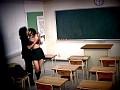 学校内でSEXする性春カップル2