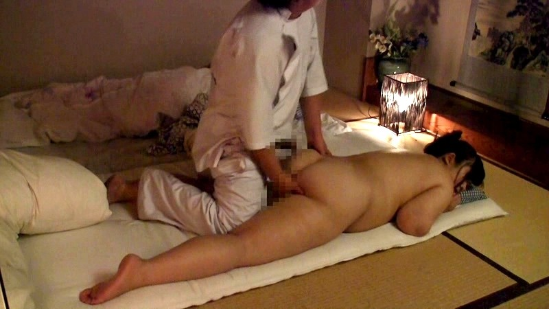 Husband watches wife get erotic massage — pic 4
