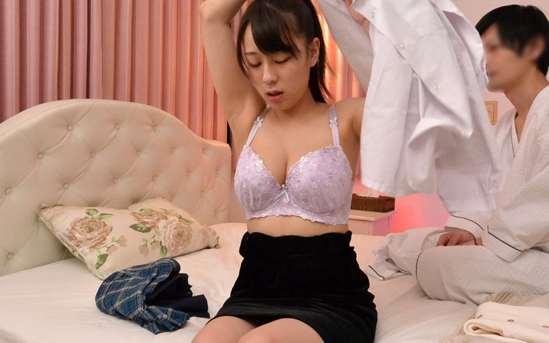 ラブホテル固定カメラ隠撮映像 激カワ美人妻ナマ撮り