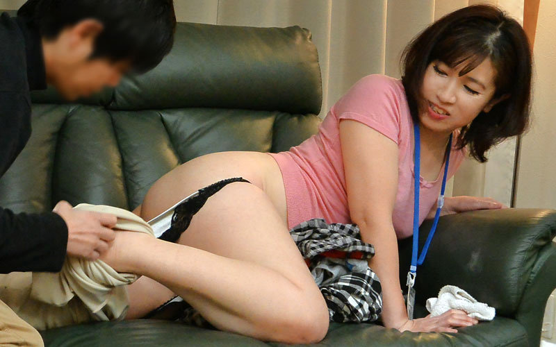 """UDAK-007 """"Don't Be Careless …"""" """"You're Not Interested In A Thick Aunt's Ass"""""""