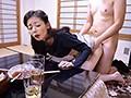 コタツの中で息子に身体を触られ欲情、中出しされる嫁の母 8