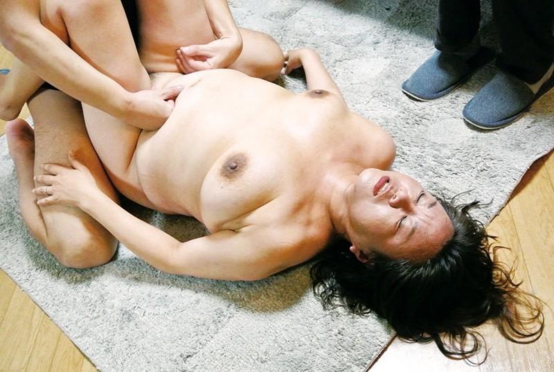 豊かな肉付きの昭和の豊乳熟女 淫れ狂う五十路四十路 の画像3
