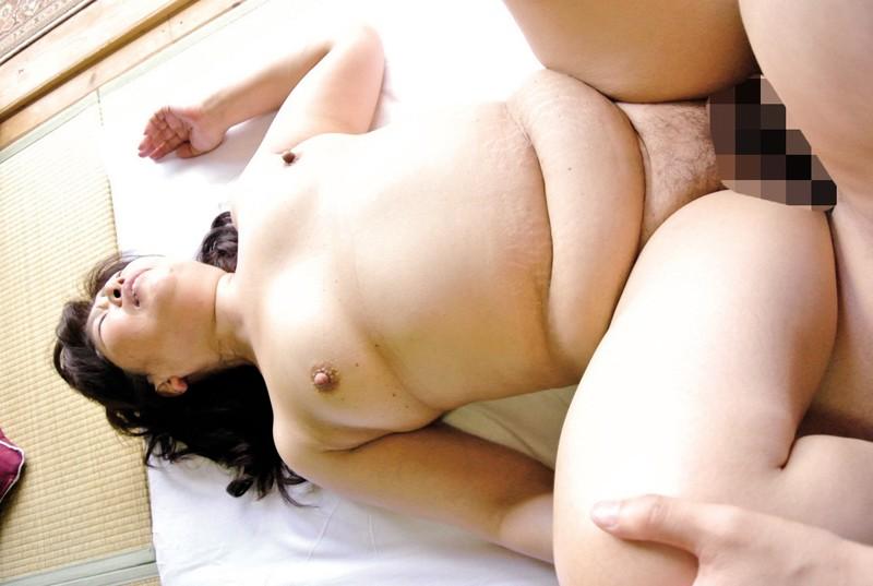 豊かな肉付きの昭和の豊乳熟女 淫れ狂う五十路四十路 の画像19