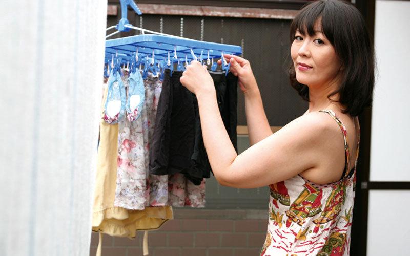 VNDS-5215 Best Mature Woman Hitomi Enjo Devilish Love