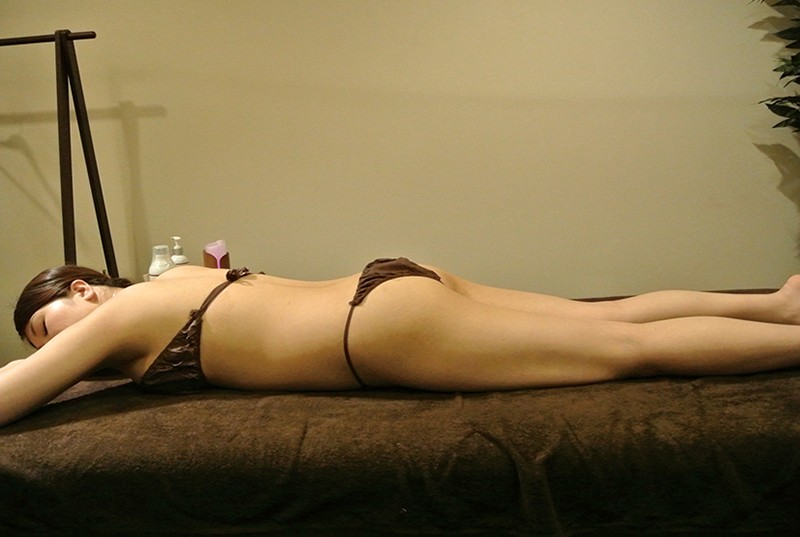 女性向けエステ!施術師目線で接近盗撮淫ラブオイルで腰が勝手に動いちゃう!? 画像2