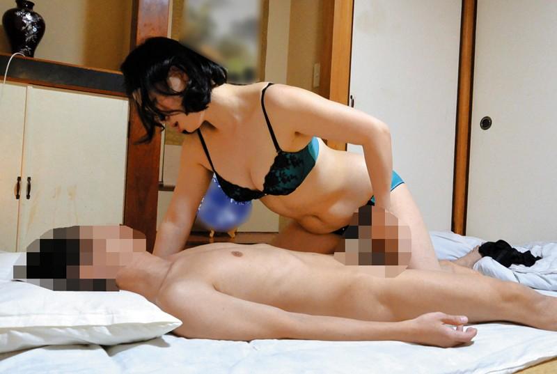 隠し撮り キレイでHな熟女 専門デリヘルのサンプル画像