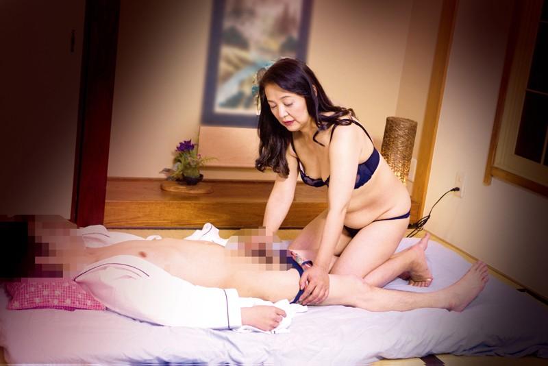 都内発!50代専門店 熟女デリヘル盗撮 の画像15