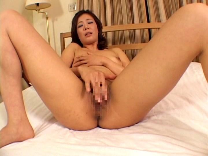 美熟女ベロベロ接吻手コキ の画像8