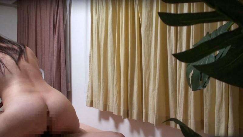 マル秘隠し撮り映像流出!!中年おやじが隠し撮りした人妻との秘め事 4 世間知らずの人妻がおやじの口車にのせられ… キャプチャー画像 15枚目
