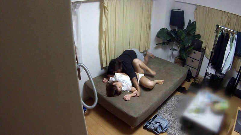 マル秘隠し撮り映像流出!! 中年おやじが隠し撮りした爆乳人妻との密着汗だくSEX 2 世間知らずの人妻がおやじの口車にのせられ… の画像4
