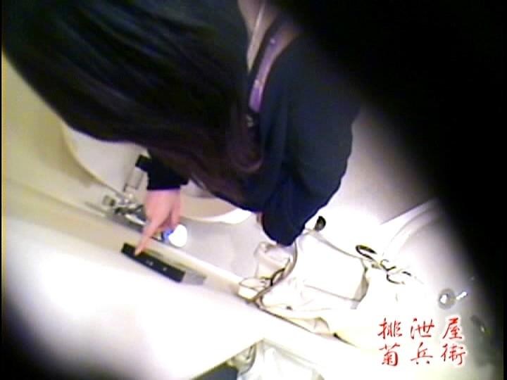 もしも小便・大便した後、トイレが壊れてたことに気づいたら女はどうするのか? 画像7