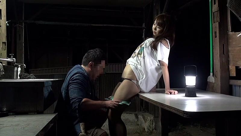 ハメを外して青姦している客を覗き続けているキャンプ場管理人の本物盗撮映像 8