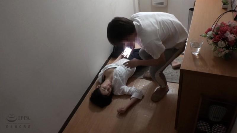 睡眠薬で巨乳の姉を眠らせて妊娠するまで中出し射精を繰り返す弟の猥褻記録映像