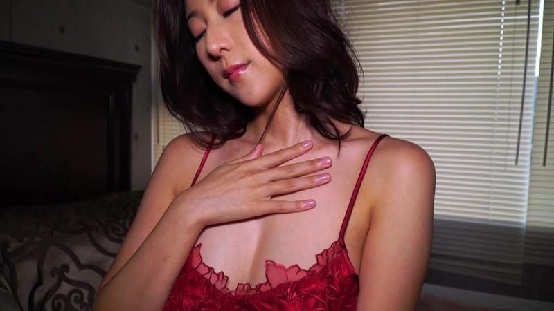 【松下紗栄子 露出】スレンダーでHな美乳の美女、松下紗栄子の露出イメージが、野外にて…。抜群のプロポーション!