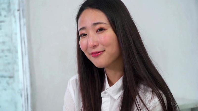 松岡すず 「Suzu 才媛、その知性と痴態」 サンプル画像 1