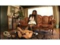 紫彩乃の動画「匂い立つ熟女のムレたノーパンパンスト」