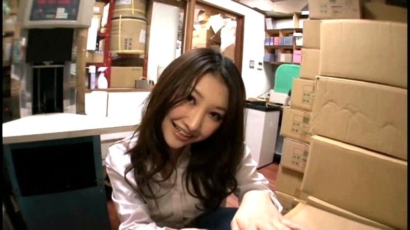 今度の秘書はエロい!って顔見てすぐに判った。 画像1