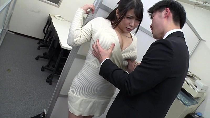 むっちりスケベな社長秘書 男を誘うムッチリ卑猥ボディ若妻寝取られ愛人生活 優月まりな