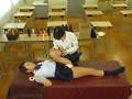 教室でオイルマッサージ?!部活に勤しむ清らかな女子校生がヌルヌルオイルで性感帯を敏感にさせられて悪徳エスティシャンの魔チンにイキ狂いメス堕ち!「お願い!誰も来ないで~!」