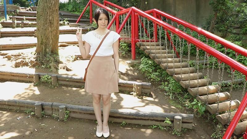 「私、こう見えて、ものすごく変態なので、お家まで来てくれませんか?」舐めることに異常性欲を持つ福島のド田舎に住む黒髪ロリ美少女の自宅まで会いに行きました。 キャプチャー画像 1枚目