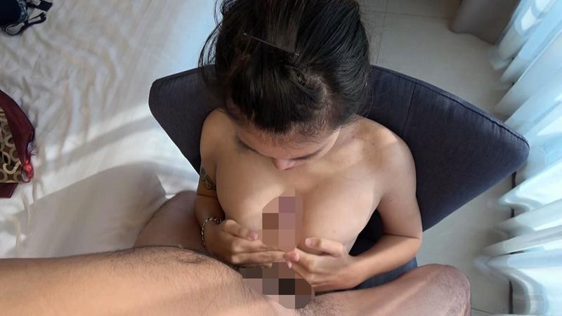 タイで発掘した奇跡のGカップ褐色パイパン少女 半外半中出し現地撮 18才 スーちゃんのサンプル画像