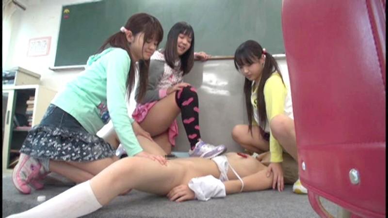 熊●県某小●校流出映像 恥辱にまみれた小○生 少女集団いじめ 無料エロ画像8