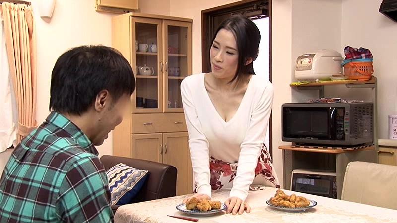 マンションの隣の部屋に住む性欲過剰の肉食巨乳人妻は馬乗りになって地方から引っ越してきたばかりのウブな上京大学生のボクをむさぼり喰う!! サンプル画像 1
