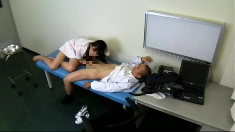 とある盗撮マニアが千葉南房○某病院夜勤看護婦と医師のSEX映像流出させた キャプチャー画像 16枚目