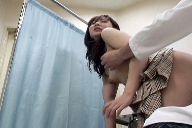 とある学校で起きた驚愕の事件簿!検診と称し次から次へと女子校生の体を弄ぶ偽医師映像 4時間2 キャプチャー画像 13枚目