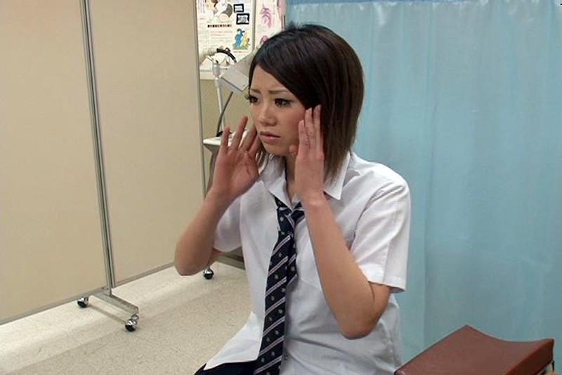 とある学校で起きた驚愕の事件簿!検診と称し次から次へと女子校生の体を弄ぶ偽医師映像 4時間2 キャプチャー画像 3枚目