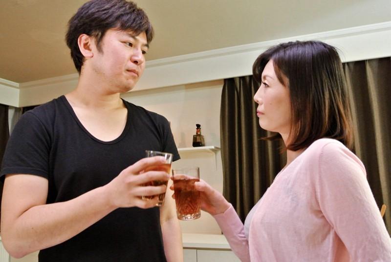 卒婚 夫のチ○ポはもう飽き飽き 男が欲しい男とヤりたい 穢れた人妻「中に出しても大丈夫!」竹内梨恵 14枚目