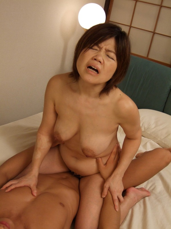 mature-japanese-thumb-the-babest-nude-babes-ever