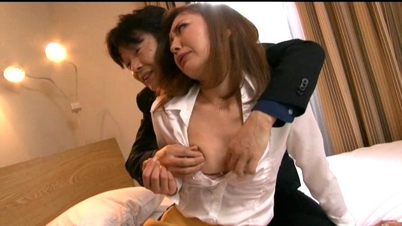 娘の目の前で輪姦される母 倉木みお の画像6