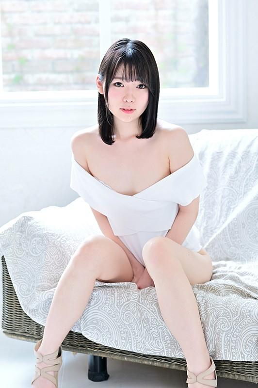 会社に内緒で出演!見られたいイン○タ女子着エロデビュー!/桜田詩織