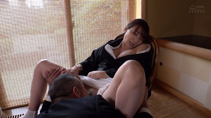 「私、お義父さんの女になりたいです…。」不謹慎なことを想像していたら本当の現実になってしまった未亡人の恋 加藤あやの 画像6